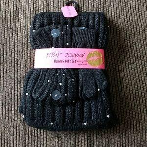 *Sale* Betsey Johnson Black Gloves w/ Pearls Set